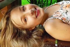 (Stephanny Monteiro) Tags: pretty girl cute beautiful little menina bonita long hair cabelos longos eyes olhos smile sorriso retrato portrait nikond3300 nikon d3300 nikkor face rosto pose happiness happy felicidade