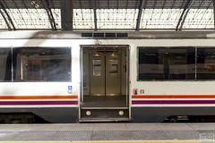Portes obertes (Escursso) Tags: 100m 124c 470 470100 adif barcelona regional renfe sattion estacio rail railway train tren frança estaciodefrança