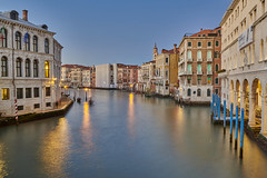 Venice - Italy (Joao Eduardo Figueiredo) Tags: venice italy venezia italia grand canal rialto bridge canals gondola gondolas nikon nikond850 d850 joaofigueiredo joaoeduardofigueiredo joão joao eduardo figueiredo vaporetto dusk