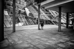 Structural engineering test (blende9komma6) Tags: structuralengineering statik hannover südstadt germany ricoh gr griii gebäude building street bw sw people menschen architecture architektur statics