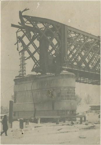 Кременчуг - Железнодорожный мост 1941-1942 002 PAPER2400 [eBay] [Волок А.М.] ©  Alexander Volok