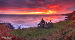 Smugglers dawn ... (Mike Ridley.) Tags: scotland dawn sunrays sunrise redsky red sonya7r2 sonyfe1635f4 panorama seascape mikeridley smugglersbothy bothy cottage