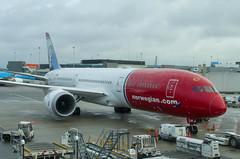 IMGP7484_LN-LNV_AMS (ClydeSights) Tags: jonathanswift 789 ams airport amsterdamschipholairport b789 boeing boeing7879 dreamliner eham lnlnv norwegianlonghaul cn63312