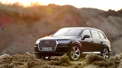 1:18 Minichamps - Audi Q7 (vwcorrado89) Tags: 1 18 118 minichamps pauls model art suv audi q7 modelcar miniature miniaturecar miniaturemodel diecast die cast