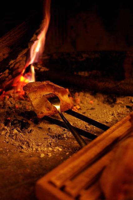 bruschetta sul fuoco di camino (3)