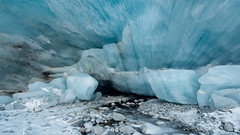 _DSC9676-Modifier (AneBarre) Tags: ice cave caverne moutain montagne glacier blue bleu hiver alpes valais suisse explore