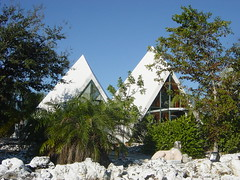 Pyramids in Florida (ruruproductions) Tags: pyramids florida fortmyers shaped buildings landmark roadside architecture