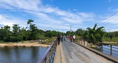 Malagasy village / Малагасийская деревня (dmilokt) Tags: природа nature пейзаж landscape река river dmilokt лодка boat мост bridge