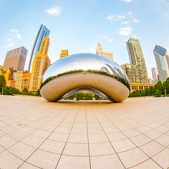 I Don't See You Hanging Around (Thomas Hawk) Tags: america anishkapoor chitown chicago cloudgate cookcounty illinois milleniumpark usa unitedstates unitedstatesofamerica architecture bean refelction sculpture thebean us