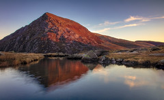 Pen Yr Ole Wen (kieran_metcalfe) Tags: flow rock cwmidwal snowdonia landscape goldenhour dawn afonidwal sidelight ogwenvalley slow smooth morning still water idwalriver river cloud golden reflected wales reflection sunrise penyrolewen mountain