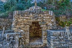 BARRACA DE PIEDRA (juan carlos luna monfort) Tags: traiguera piedra roca castellon castello naturaleza construccionantigua santuarifontdelasalut hdr nikond7200 irix15 calma paz tranquilidad