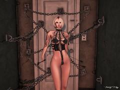 When I Lock My Door (Tonny Rey) Tags: versus events woman
