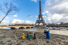 In front of the Eiffel Tower (Ballou34) Tags: 2017 7dmark2 7dmarkii 7d2 7dii afol ballou34 canon canon7dmarkii canon7dii eos eos7dmarkii eos7d2 eos7dii flickr lego legographer legography minifigures photography stuckinplastic toy toyphotography toys paris îledefrance france fr stuck in plastic fabuland eiffel tower seine river photo