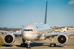 Saudi Arabian Airlines / Boeing 777-300ER / HZ-AK21 (schmidli123) Tags: gva gvaairport geneva hzak21 saudiarabian saudiarabianairlines boeing boeinglovers 777 77w sunset engine ge90 generalelectric