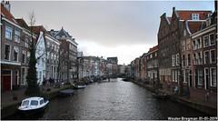 Oude Rijn (XBXG) Tags: oude rijn ouderijn leiden gracht canal river historic city center nederland holland netherlands paysbas cityscape sky
