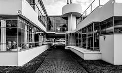 _DSC6878-2 (durr-architect) Tags: sanatorium zonnestraal architecture duiker modern style modernism hilversum wiebenga bijvoet hospital concrete structure air light building workshops canopy pavilion