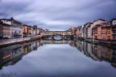 Ponte Vecchio, Florencia, Italia (A.Coleto) Tags: ponte vecchio italia florencia italy florence nubes larga exposición filtro lucorti nd