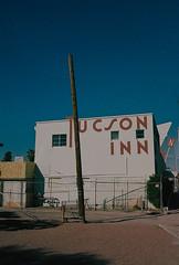Tucson Inn, Arizona (dirtyfromtherain) Tags: film 35mm kodakportra kodak arizona tucson inn usa streetphotography negativefilm