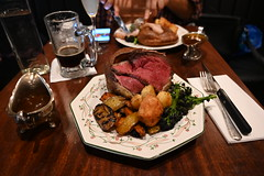 DSC_1659 (photographer695) Tags: shoreditch london black lock sunday lunch roast beef yorkshire pudding rivington street sadly food was up standard i expect small amount meat burnt vegetables disgusting cold not recommended