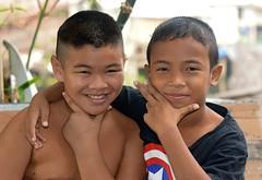 boys (the foreign photographer - ฝรั่งถ่) Tags: two boys children khlong bangkhen bangkok thailand nikon d3200