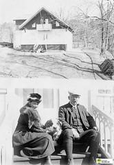 tm_6194 (Tidaholms Museum) Tags: pipe pet dog pipa svartvit positiv hund husdjur bostadshus exteriör gruppfoto