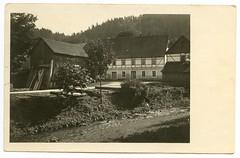 . (Kaïopai°) Tags: old alt vintage haus house building gebäude garten garden fachwerkhaus fachwerk hof bach
