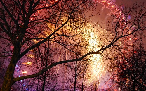 2019 London NYE - Red ball of fire