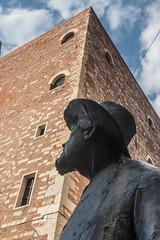 Berto Barbarani (1872-1945) Poet, Verona, Veneto, Italy. (R H Kamen) Tags: italy piazzadelleerbe veneto veronaitaly architectue bronzestatue buildingexterior day outdoors rhkamen sculpture statue verona