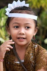 Petite Indonésienne à Bali. (jmboyer) Tags: ba340 ©jmboyer bali indonesie indonésie portrait asie asia travel canon géo