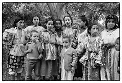 82208_28 Celebrating the end of Ramadan, central High Atlas, Morocco, 1982 (Wolfgang_Kraus) Tags: morocco maroc marokko atlas mountains analog hautatlas imazighen berber aidessghir aidelfitr film ilford hp5 id11 pentax mx smcpentaxm monochrome schneiderkreuznach 11 xenon zirconia k1 dslr scanning line scan industrial lens piplkan