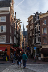 Amsterdam-Centrum 018 (Igor Klajo) Tags: amsterdam netherlands niederlande nederland street streetphotography buildings churchtower people canoneos5dmarkii canon canonef2470mmf28liiusm northholland nl
