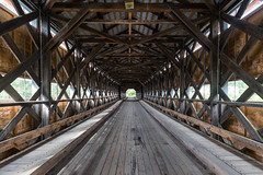 Perspective (Lionelcolomb) Tags: routhierville québec canada ca pont bridge tunnel perspective lines lignes gaspésie wood bois symetrie canon 1200d sigma apple imac adobe lightroom