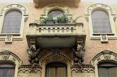 Art Nouveau / Liberty style in Torino (Sokleine) Tags: artnouveau libertystyle torino turin détails italie italia italy piemonte piémont windows fenêtres fenster balcons balconies two deux dragons architecturedetails