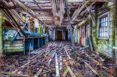 _2019-03-13 ABANDONED BUILDING INTERIOR--_D85_5320- (Bonnie Forman-Franco) Tags: abandoned abandonedphotography abandonedphoto abandonedbuilding abandonedbuildings decayed rottedwood rottedroof photoladybon hdr hdrphotography aurorahdr2019 windows doors birdnest nikon nikonphotography nikond850 nikon2470 nikcollection weeds boardedbuildings urbex