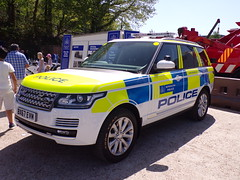 6295 - MET POL - BX67 EVM - 101_1802 (Call the Cops 999) Tags: uk gb united kingdom great britain england 999 112 emergency service services vehicle vehicles police constabulary law and order enforcement 101 policing brooklands museum open day bank holiday monday may 2018 7 7th metropolitan met metpol seg special escort group bx67 evm range rover 4x4 arv armed