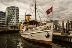 Hamburg - Elbe - Museumshafen (Pana53) Tags: photographedbypana53 pana53 hamburg elbe freieundhansestadthamburg bundesland hauptstadt flus museumshafen schaarhörn hafencity nikon nikond810