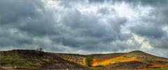 LUCES Y SOMBRAS (Angelines3) Tags: nwn nubes naturaleza martesdenubes montañas árboles campos castillaleón