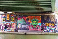 56 Paris décembre 2018 - au bout du Bassin de La Villette (paspog) Tags: paris france dezember december décembre 2018 canal kanal bassindelavillette streetart fresque fresques mural murals tags graffitis