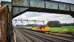 37219 at Brinklow (robmcrorie) Tags: 37219 6c37 willende crewe departmental freight train colas class 37 brimklow footbridge warwickshire nikon d850 brinklow