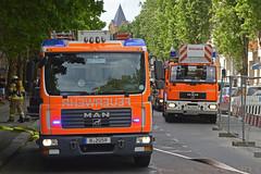 Berlin Feuerwehr (Martijn Groen) Tags: berlin germany deutschland may 2018 firetruck firedepartment fireengine feuerwehr emergency man tgl12250 lhf dlk drehleiter ladder