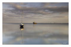 Leigh-on-Sea (robert.french57 French Images) Tags: 6 09 rjf leighonsea sea leigh long exposure essex l460 g21 f71 90sec 39mm boats peaceful simple mood