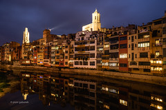 Girona by Night (pietkagab) Tags: girona night water reflections river onyar catalan catalonia spain spanish city town old architecture cathedral church tower towers european europe pietkagab photography piotrgaborek sonya7 vintagelens sky blue dark sightseeing adventure travel trip tourism cityscape skyline