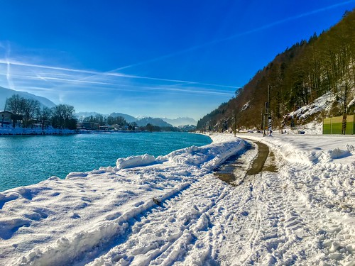 River Inn in winter passing Kiefersfelden, Bavaria, Germany