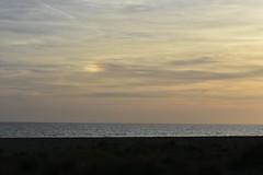 Parhelio en Castelldefels (esta_ahi) Tags: castelldefels sundog parhelio playa mar cel cielo sky núvols nubes clouds baixllobregat barcelona spain españa испания