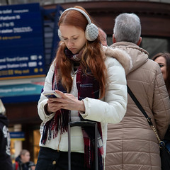40/365 - Gregory's Girl (efsb) Tags: 40365 project365 2019yip 2019inphotos girl candid glasgow scotland centralstation canong1xmk2