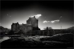 Highlanders Home II (mike goehler) Tags: black white schwarz weiss sepia nature architecture architektur highlander castle burg scottland schottland