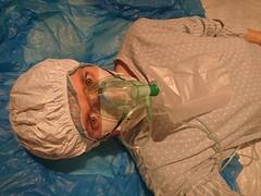 Polka dot medical fetish (coatrPL) Tags: fetish medical mask gasmask oxygen anesthesia raincoat rainwear raincape raingear pvc plastic polkadot nightdress hood breathplay cape pcv płaszcz przeciwdeszczowe pajama