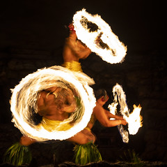 2019_01_10_Hawaii_Maui_5D-1504 (AbovetheLineEntertainment) Tags: hawaii maui canon5dmarkiv canon5d â©abovethelineentertainmentinc hyattregency luau drumsofthepacific fire longexposure ©abovethelineentertainmentinc