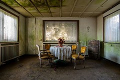 classic shot (Christin-BildinGrau) Tags: urbex urbanexploration urbexphotography abandoned abandonedplaces lostplaces decay decayphotography beautyindecay mold moldy abandonedhotel hotel budgethotel urbexclassic