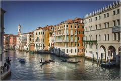 Venezia ... il Canal Grande ... (miriam ulivi - OFF/ON) Tags: miriamulivi nikond7200 italia venezia canalgrande palazzi gondole palaces gondolas people acqua riflessi water reflections architectures febbraio2019 february2019